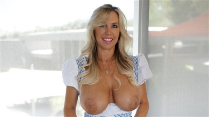 Sandra Otterson in One Messy Maid