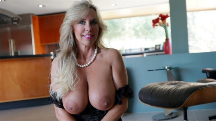 Sandra Otterson in Cover My Tits